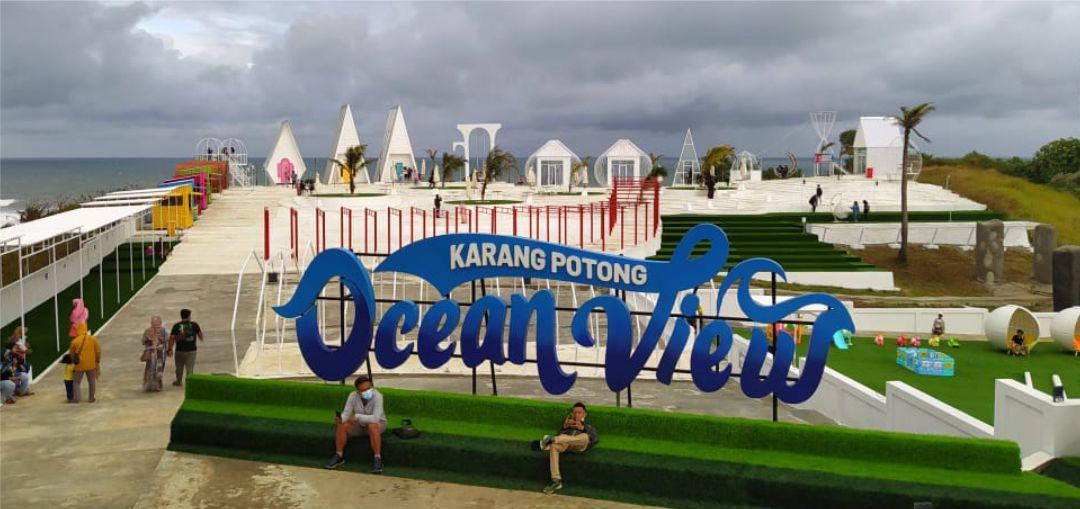 Wisata Karang Potong Ocean View di Cianjur